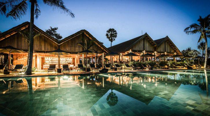 AW2-Phum-Baitang-Cambodge-Vue-bar-piscine